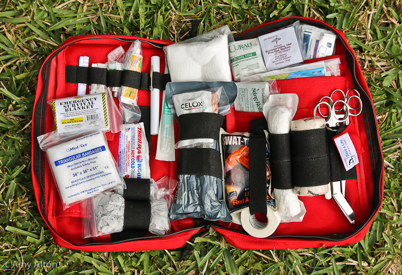 Grab and Go Deluxe First Aid Trauma Kit