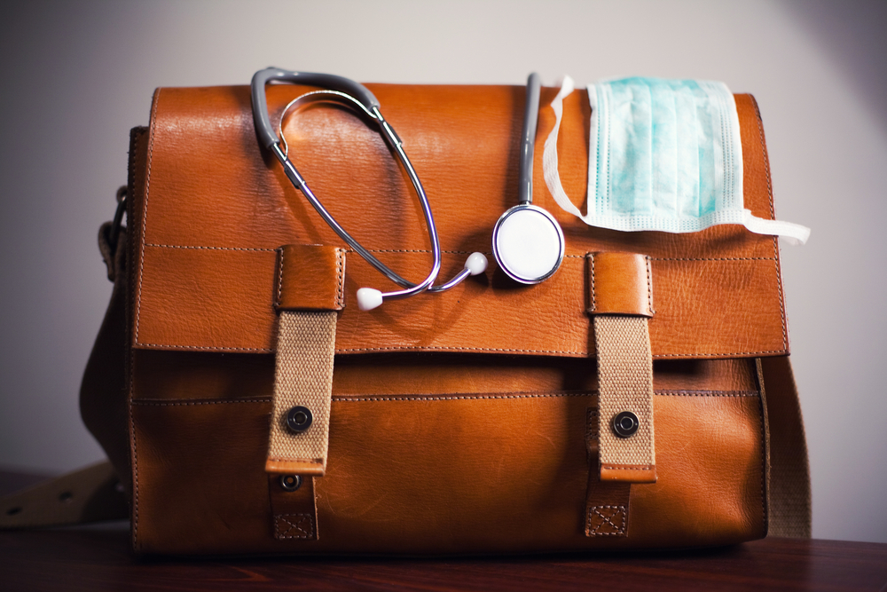 Video: How To Pick The Best First Aid Kit For You